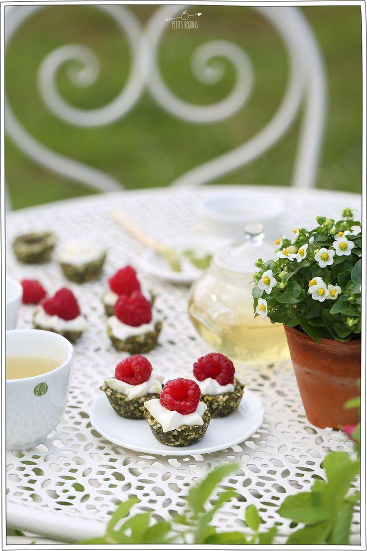 Tarte crue au thé matcha - Recette healthy - Petits Béguins
