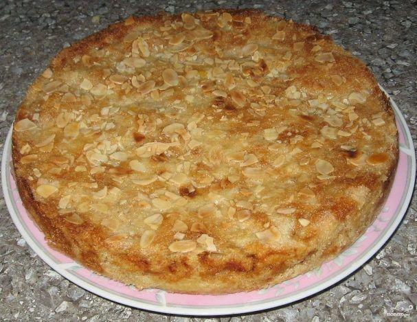 Варшавский яблочный пирог, давно переплюнул шарлотку! Теперь я готовлю только Варшавский! Пирог – ОЧЕНЬ вкусный и сочный за счет того, что ЯБЛОКИ МЫ ТРЕМ НА ТЕРКУ!!! Дети в восторге! – В РИТМІ ЖИТТЯ