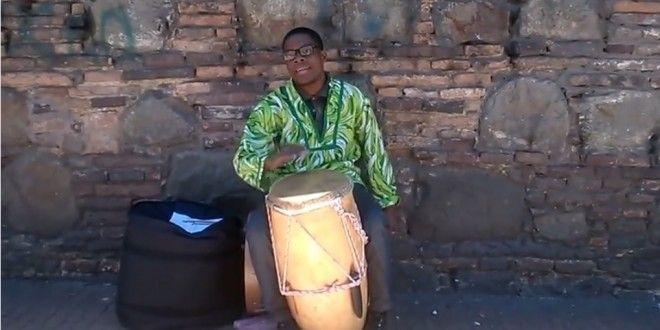MUSICO DESPLAZADO POR LA VIOLENCIA EN COLOMBIA | revista Arte y Pintura al Dia