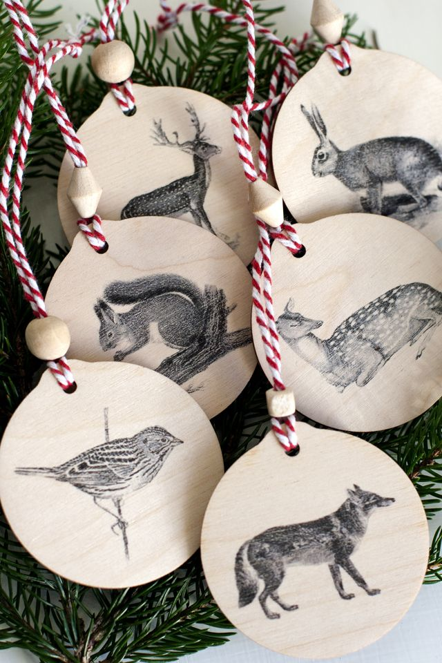20 DIY Christmas Ornaments to Make + Ultimate Christmas Round-Up!