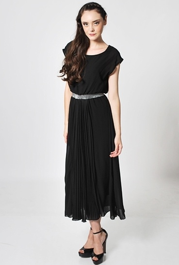 Maxine Pleat Midi Dress in Black