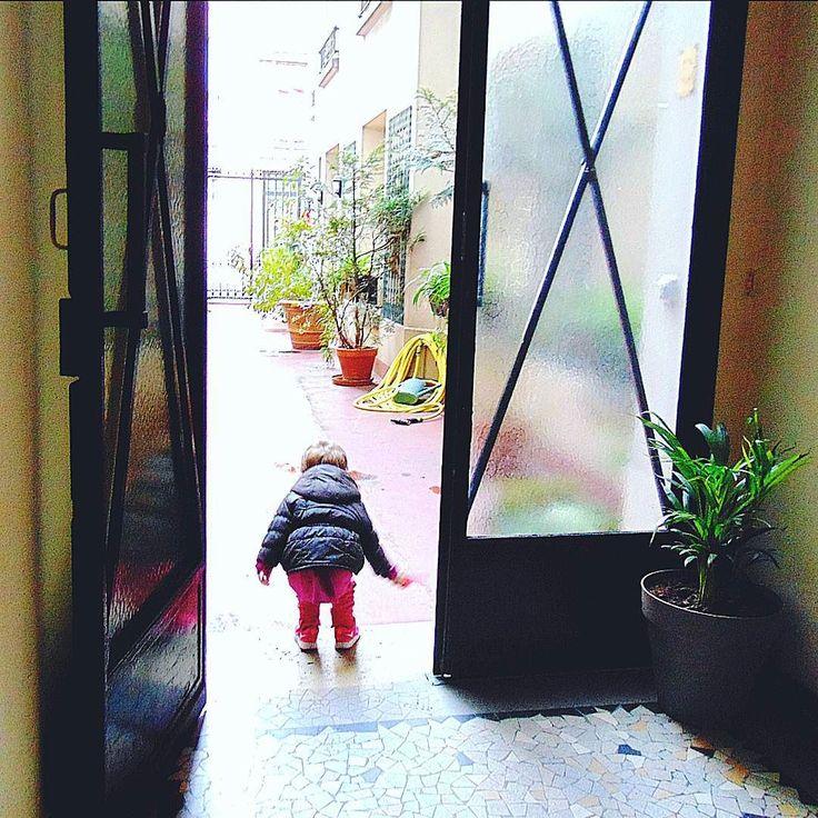 Discovering. #garden  #kid  #landscape #streetphotography  #streetphoto #yummy  #wait #waiting  #motivation