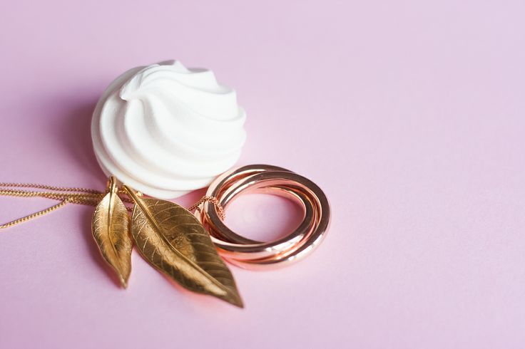 Terre-et-Mer goldplated necklace and Russian rings necklace (oh, and a cheeky meringue too!)