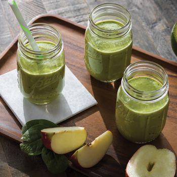 Prepara este rico batido cremoso de manzana en tu Licuadora Oster® Xpert Series™ #OsterXpert #Batido #OsterLatino