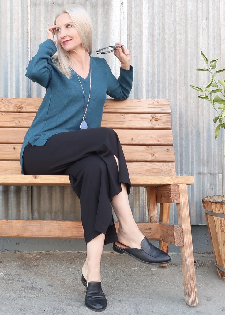 a9b38e4a6841 Chic and comfortable outfit for women over 40, casual and chic outfit for  women over 50, style over 40, style over 50, classic style, chic style over  40, ...