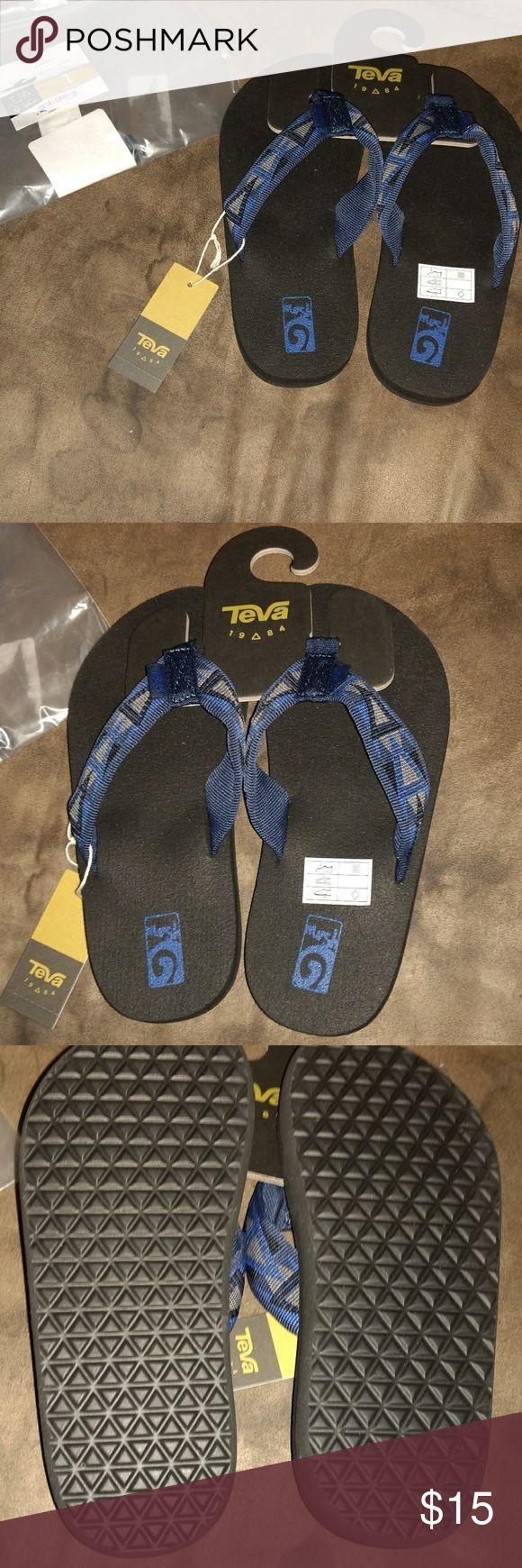 Teva Mush II boys flip flops Size 1 boys flip flops Teva Shoes Sandals & Flip Flops