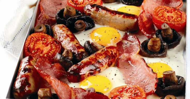 Great recipe for all-in-one baked full English breakfast that the family will love, easy and low in calories, it's just297 calories per portion.