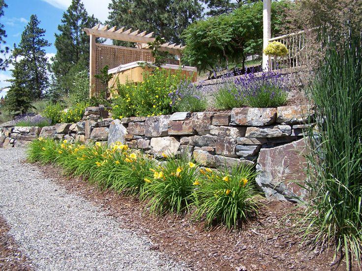 rock wall landscape ideas   Google Search. 25  best ideas about Rock wall landscape on Pinterest   Terraced