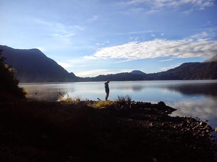 Kerinci Summit: Mountain Tujuh Lake