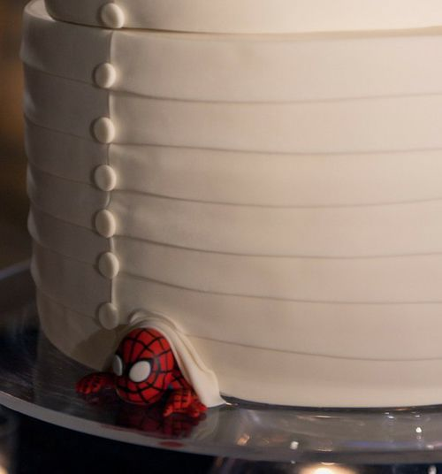 Need a cute way to add just a touch of geekiness to your wedding? A hidden Spiderman makes an appearance at this wedding on StyleMePretty. Photography by Jennifer Skog and Cake by Studio Cake.: Hidden Spiderman, Fun Wedding Cakes Nerd, Geeky Wedding Cakes, Spiderman Wedding Cakes, Superhero Wedding Cakes, Studios Cakes, Spiders Men In Wedding Cakes, Wedding Cakes Spiderman, Nerd Wedding Cakes