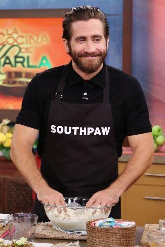 Jake Gyllenhaal cooking!