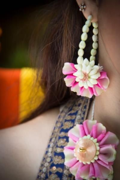 flower jewellery, pink and white flower jewellery, mehendi jewellery in India,Floral Art