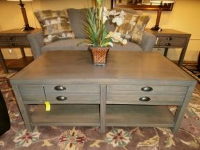 Superbe Bridgeport Coffee Table