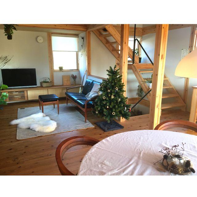 mastさんの、リビング,観葉植物,ドライフラワー,KLIPPAN,クリスマスツリー,ムートンラグ,宮崎椅子製作所,木の家,2階リビング,プラスティフロア,花のある暮らし,グリーンのある暮らし,ベツレヘムの星,階段吹き抜け,クリスマス,ig→acoknack,のお部屋写真