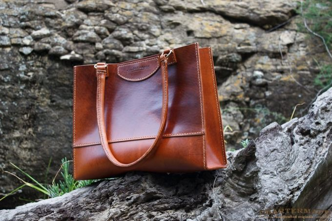 Isabella Tote by CHARTERMADE on helloman.co.za