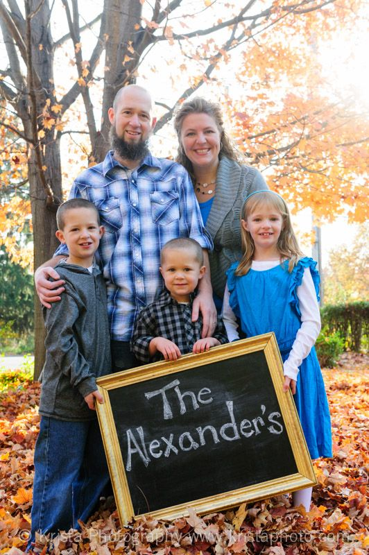 Fall in Love With 10 Autumn Family Portrait Ideas