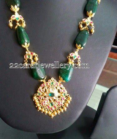 Jewellery Designs: Emerald Beads Kundan Haram