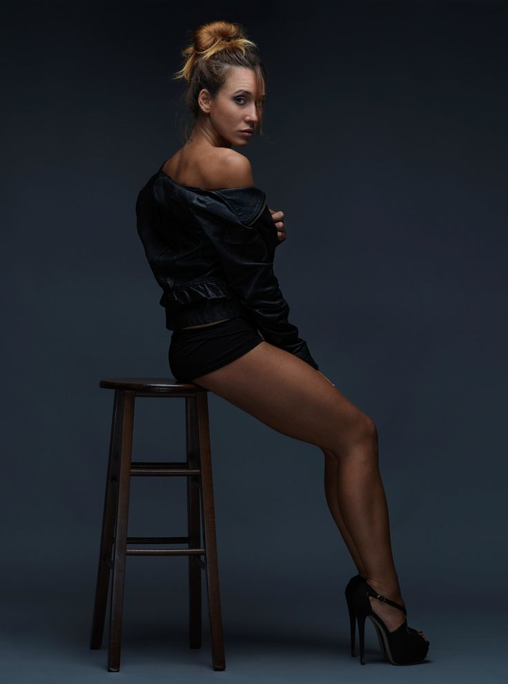 professional photography fashion photographer happiness makeup studio dress elegance portrait hasselblad profoto