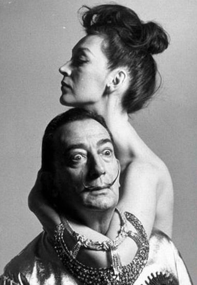 Salvador Dali and his wife Gala in 1964