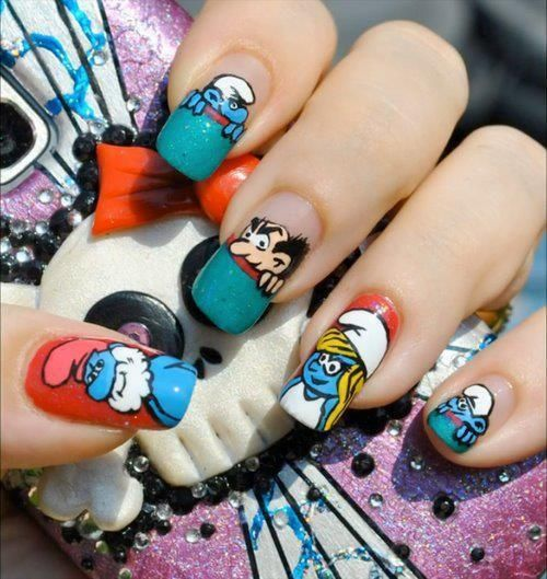Smurf Nail Art, I wish I could do this