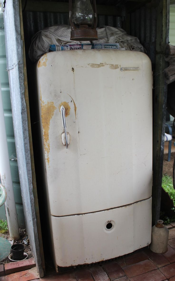 1941 English Electric Fridge in working order but will not repaint as I like my items au-natural. Great for the BBQ area I have developed and sits in its own out-door dunny shack