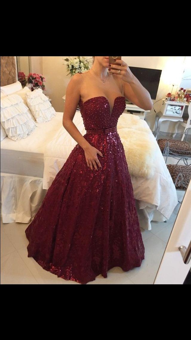 Vestido para debutante 15 anos vinho.