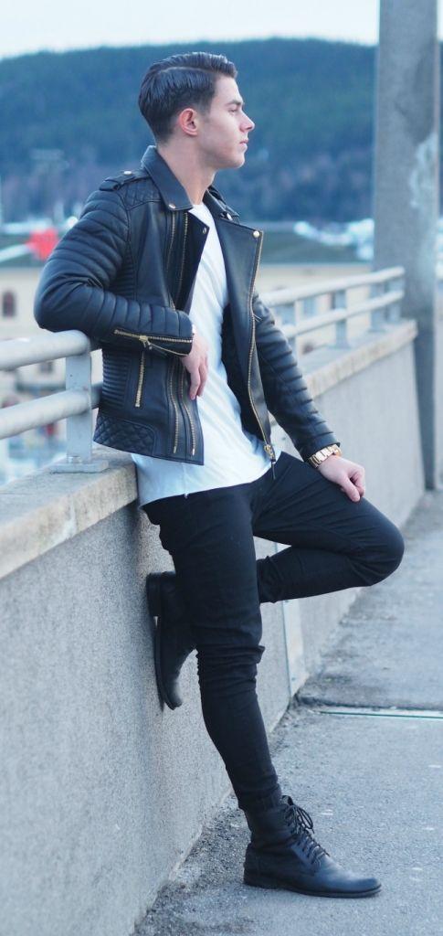 Jaqueta de Couro. Macho Moda - Blog de Moda Masculina: Jaqueta de Couro Masculina, pra Inspirar e Onde Encontrar. Moda Masculina, Moda para Homens, Roupa de Homem, Inverno Masculino, Moda Masculina 2017. Jaqueta de Couro Perfecto, Jaqueta de Couro Biker Jacket. Camiseta branca Lisa, Calça Skinny, Bota Masculina Preta