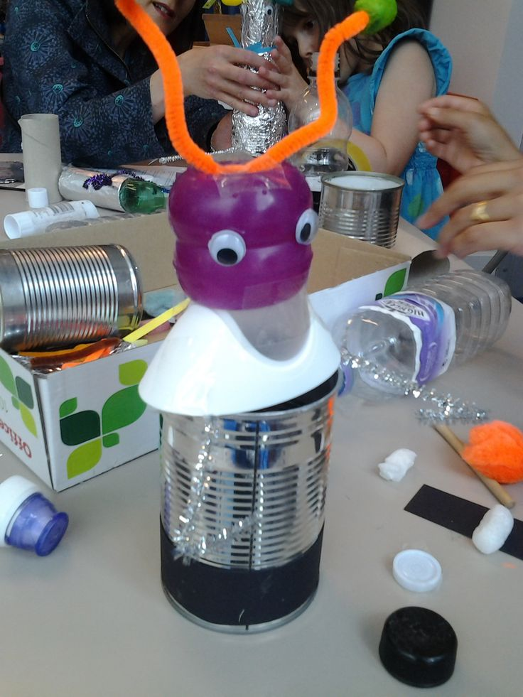 Wonderful Robots from our craft afternoon.