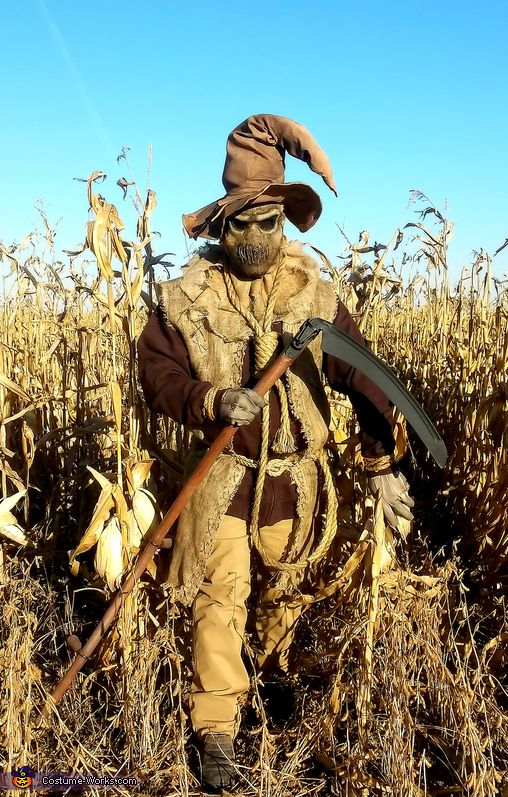 Teresa: Costume: Evil Scarecrow Costume Wearer: Kevin (Husband) Creator and Sender of the entry: Teresa (Wife) The idea was my husbands after seeing a cool graphic on the internet of a...