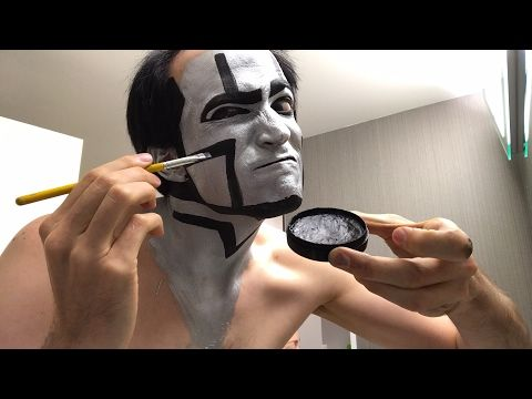 David Michael Bennett Applies Robot Makeup for Concert Tonight in Everet...