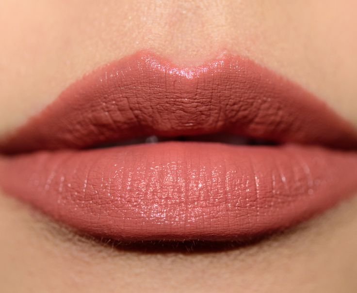 how to make lipstick stay on inner lip