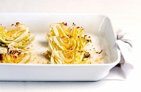 Repolho assado. 1 repolho verde. 2cs azeite. 2cs queijo parmesão ralado. Sal e pimenta-do-reino a gosto. cont...