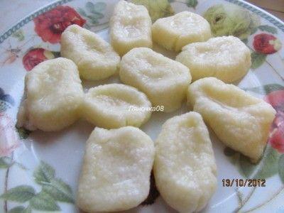Ленивые варенички- еще один рецепт  100г творога 20г муки 2 перепелиных яйца 8 г сахара 6 г масла