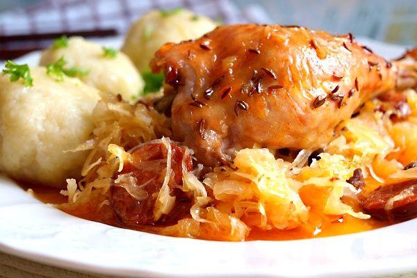 Recept : Kuře na uherském zelí a bosáky | ReceptyOnLine.cz - kuchařka, recepty a inspirace
