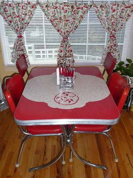 Vintage red / white Kitchen dinette set