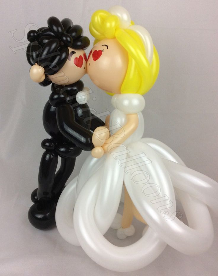 Balloon art, amazing, cool, party, splendid balloons, John Justice, cute, adorable, amazing, California, bride, groom, kissing, wedding, hitched, wed, ball and chain