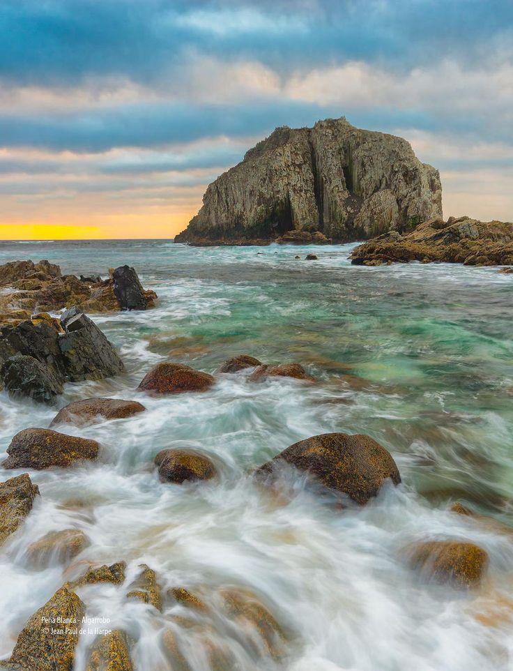 Peña Blanca, Algarrobo - Central Coast, Chile [Photo: Jean Paul de la Harpe - Copyright ©]