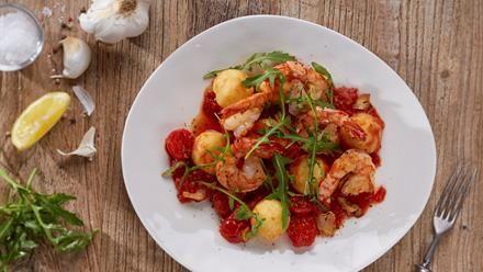 Gebratene Garnelen mit Tomatensugo und Mini-Knödeln Rezept - Pfanni