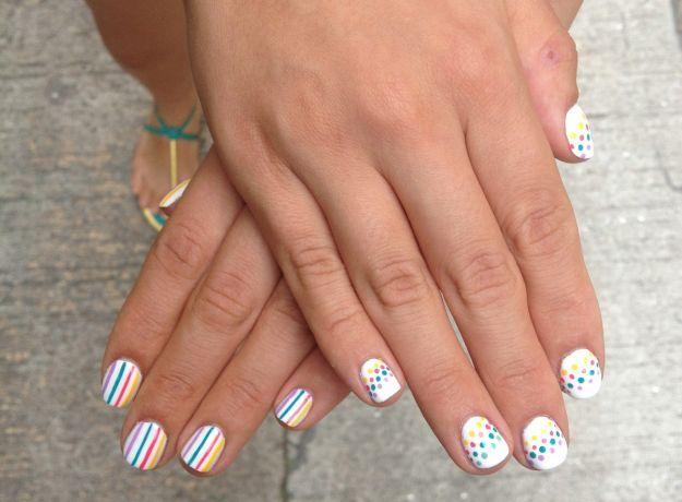 Разноцветный короткий маникюр в точку и полоску ::: onelady.ru ::: #nail #nails #nailart #manicure