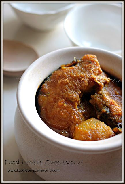 """Food Lover's Own World: Ma-er moto """"Macher Kalia"""" (Mom-style spicy and rich fish curry)"""