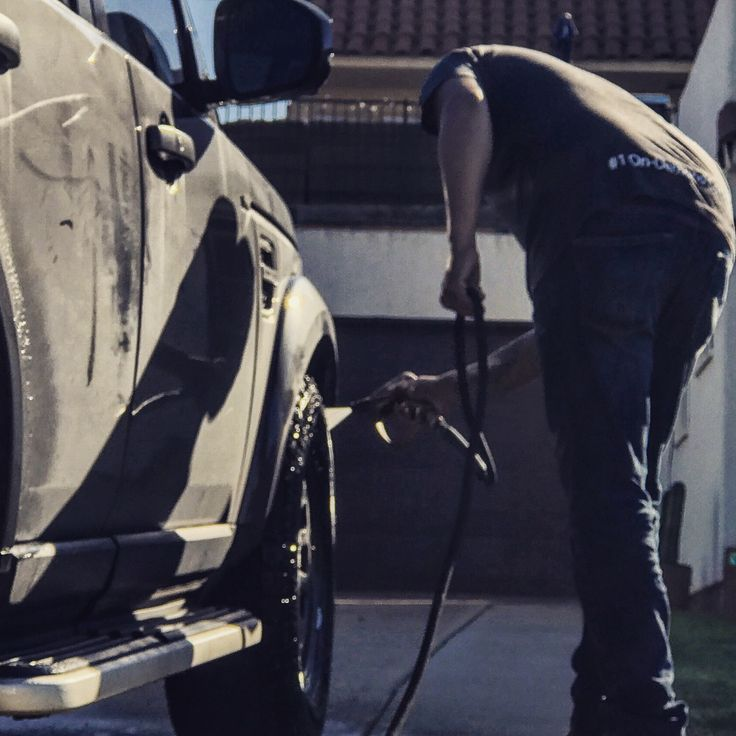 The average costs for starting a mobile car wash