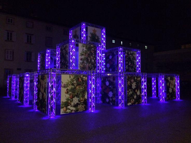 """""""La scoperta"""" exhibit Domenico Raimondi @thesignlab photo Beatrice Speranza. Cortile degli Svizzeri - #Lucca - #Natale 2014"""