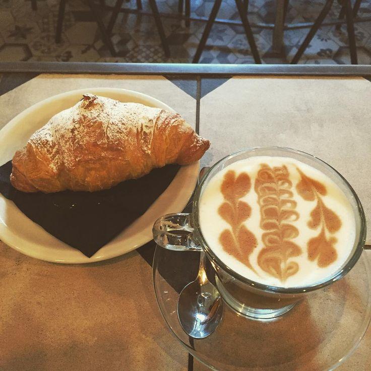 Buona Domenica  #buongiorno #colazione #gorillemi #PosticiniAMilano #milanodavedere #domenica #mattina #colazionitop by francescow_mule