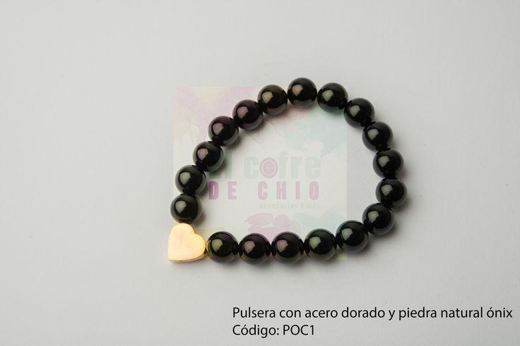 Pulsera con acero dorado y piedra natural ónix  Código: POC1  #pulsera #acero #piedranatural #peru #onix #diadelamadre #elcofredechio