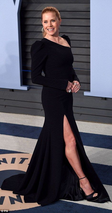 Keeping it classic: The 43-year-old actress was the image of glamour in a split midnight b...