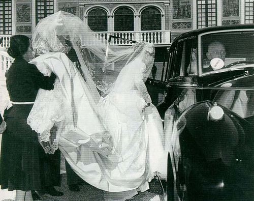 Grace entering the Rolls that would carry her to St. Nicholas Cathedral for her religious marriage to Prince Rainier. April 19th, 1956 tibimages, via Flickr