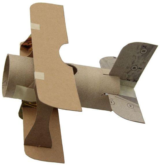 Avión con rollos de papel | Manualidades para niños