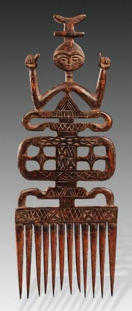 Africa | Carved wood comb from the Ashanti people