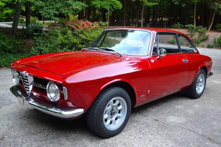 1969 Alfa Romeo 1300 GT Junior - Front