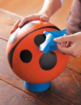 How to Make Bowling Ball Bugs - Outdoor Projects | Fresh Home